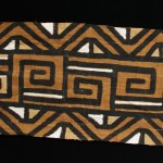 Mali women Ogolanfini tribe. Mali mud cloth Bogolan